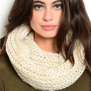 CREAM WITH GOLD THREADING KNIT INFINTY SCARF
